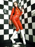 New pictures of Latexlady Lea