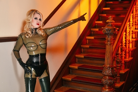 Gallery-Photo 10 - Rubber Cleo