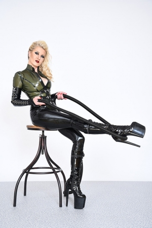 Gallery-photo No.3 - Rubber Cleo