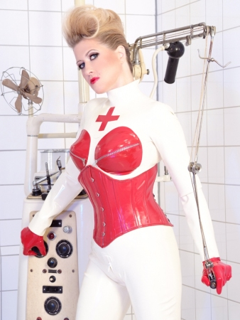 Gallery-Photo 26 - Rubber Cleo